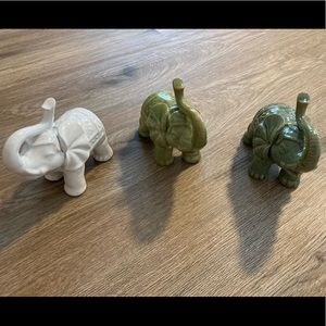 3 assorted colors mini size elephant figurines